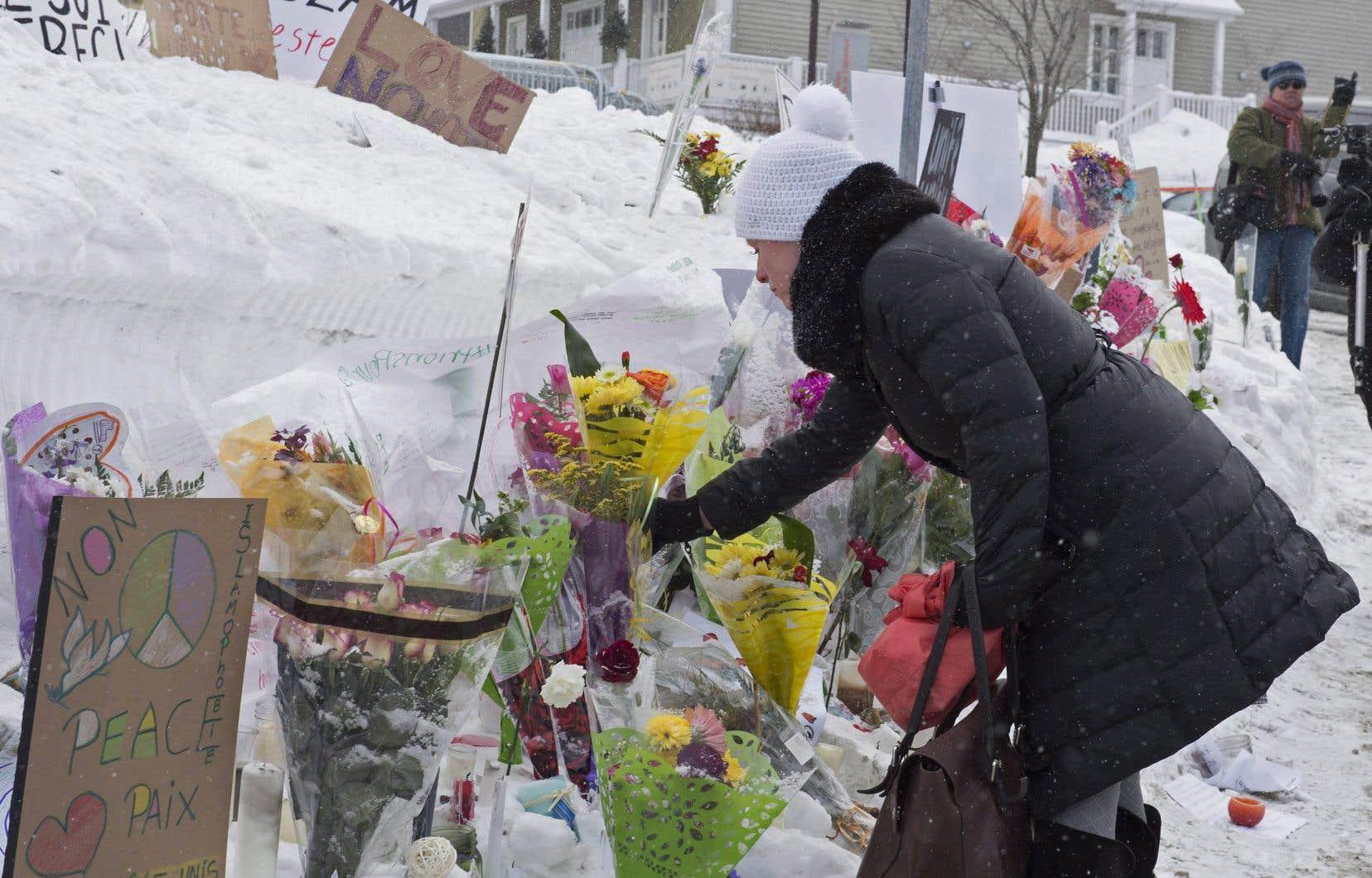 «La récente insurrection à Washington ainsi que l'attentat à la Grande Mosquée de Québec, dont nous commémorons le quatrième anniversaire cette semaine, sont issus de la même problématique: une radicalisation en ligne suivie d'attaques contre des victimes bien réelles», écrit l'auteur.