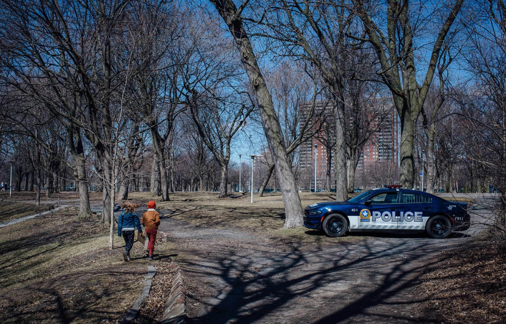 Un manque de sensibilité semble persister au sein du corps de police, selon une étude.