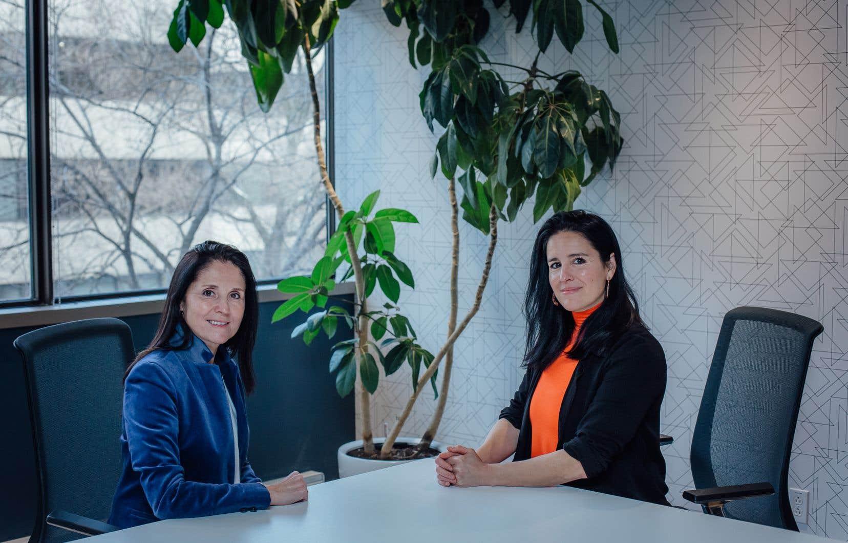 Édith Desgagnés et Anissa Mazani, respectivement productrice et productrice au contenu de la docuréalité «L'entrevue», qui suit le processus de sélection de candidats pour des emplois divers.
