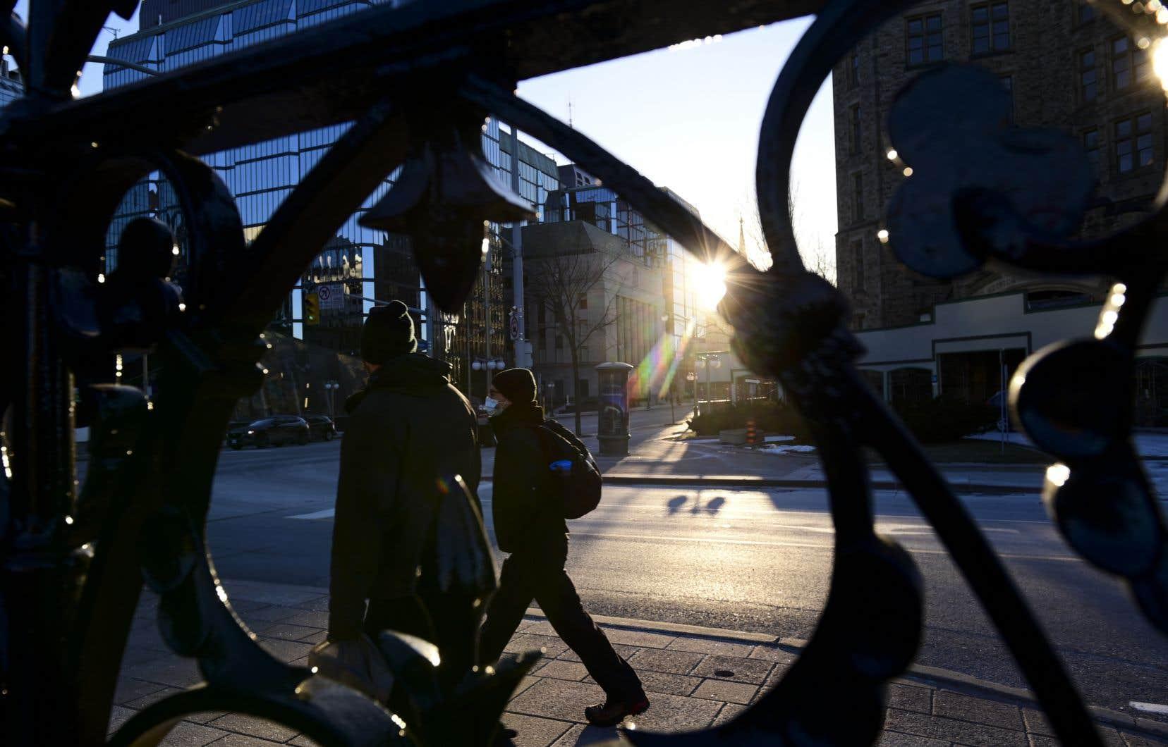 Les déficits budgétaires de l'ensemble des gouvernements du Canada sont désormais estimés à l'équivalent de 20% du produit intérieur brut pour la seule année dernière.