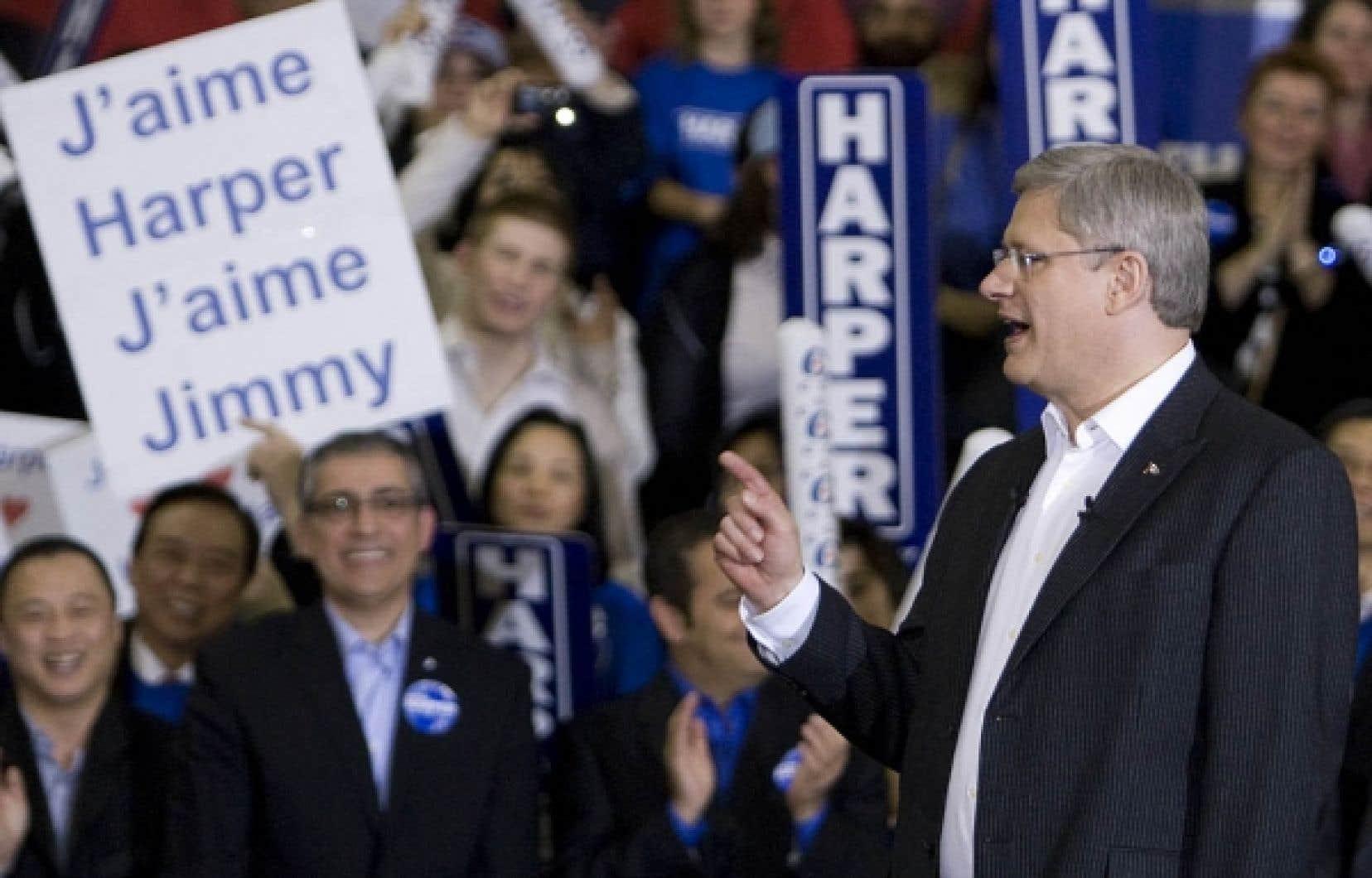 Stephen Harper était de passage hier dans la circonscription de Pierrefonds-Dollar, où environ 750 partisans s'étaient déplacés pour l'entendre.