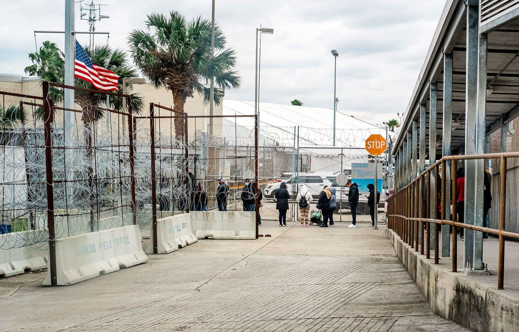 À ce jour, plus de 1000 enfants migrants vivent toujours séparés de leurs parents du côté américain de la frontière. Sur la photo, le poste frontalier mexicano-américain, du côté de Matamoros.