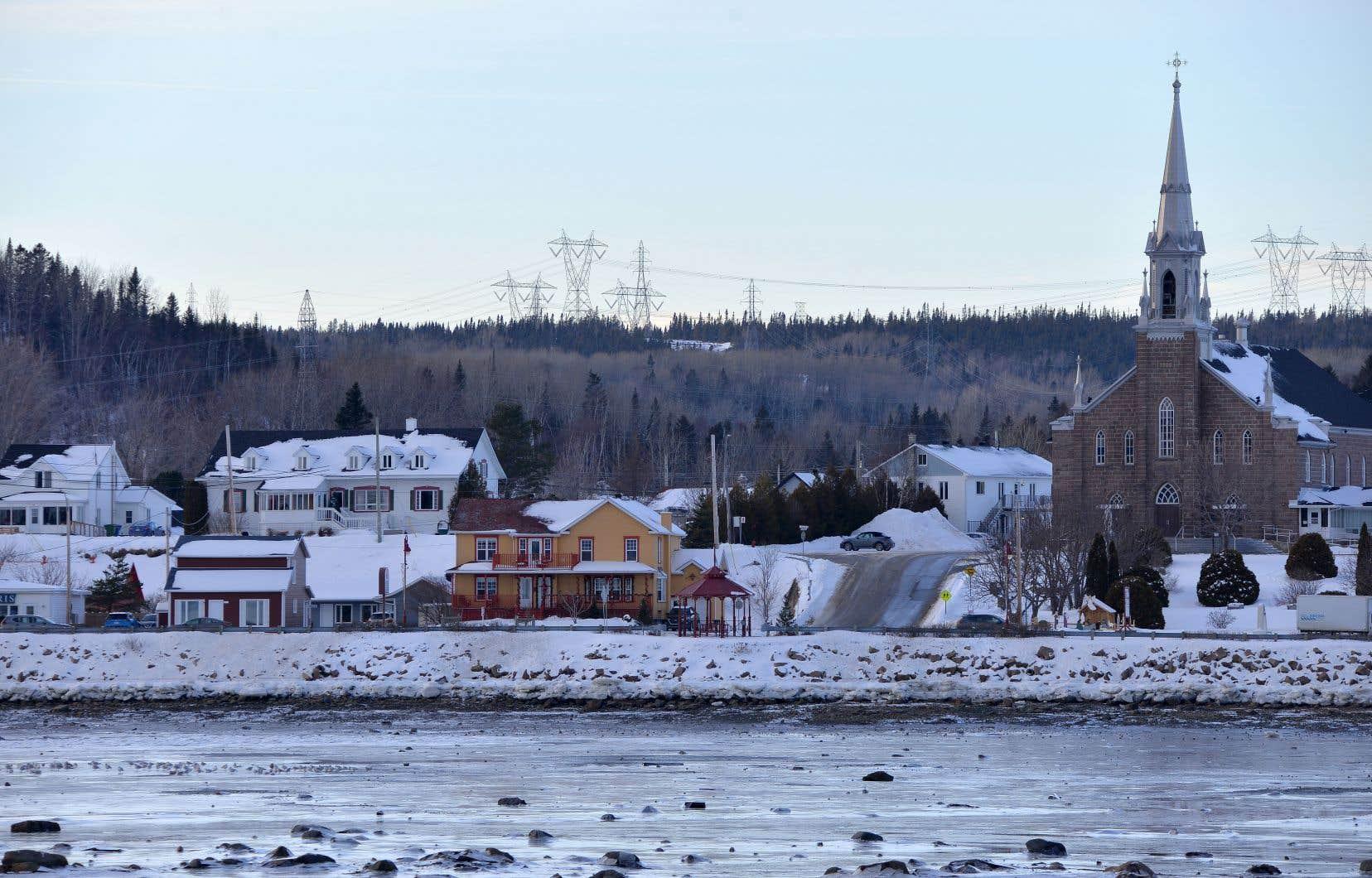 «Le gouvernement du Québec est responsable de notre territoire et il doit être un vecteur favorisant l'occupation et la vitalité de l'ensemble des régions», écrit l'auteur.