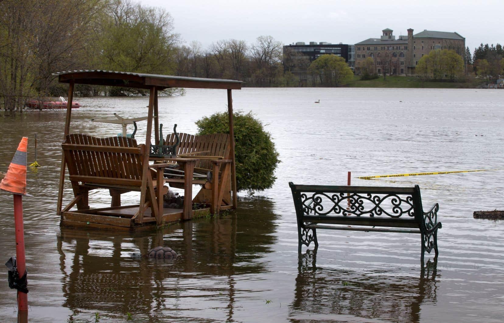 Les inondations de 2017 et de 2019 ont causé d'importants dommages aux berges autour de Montréal.