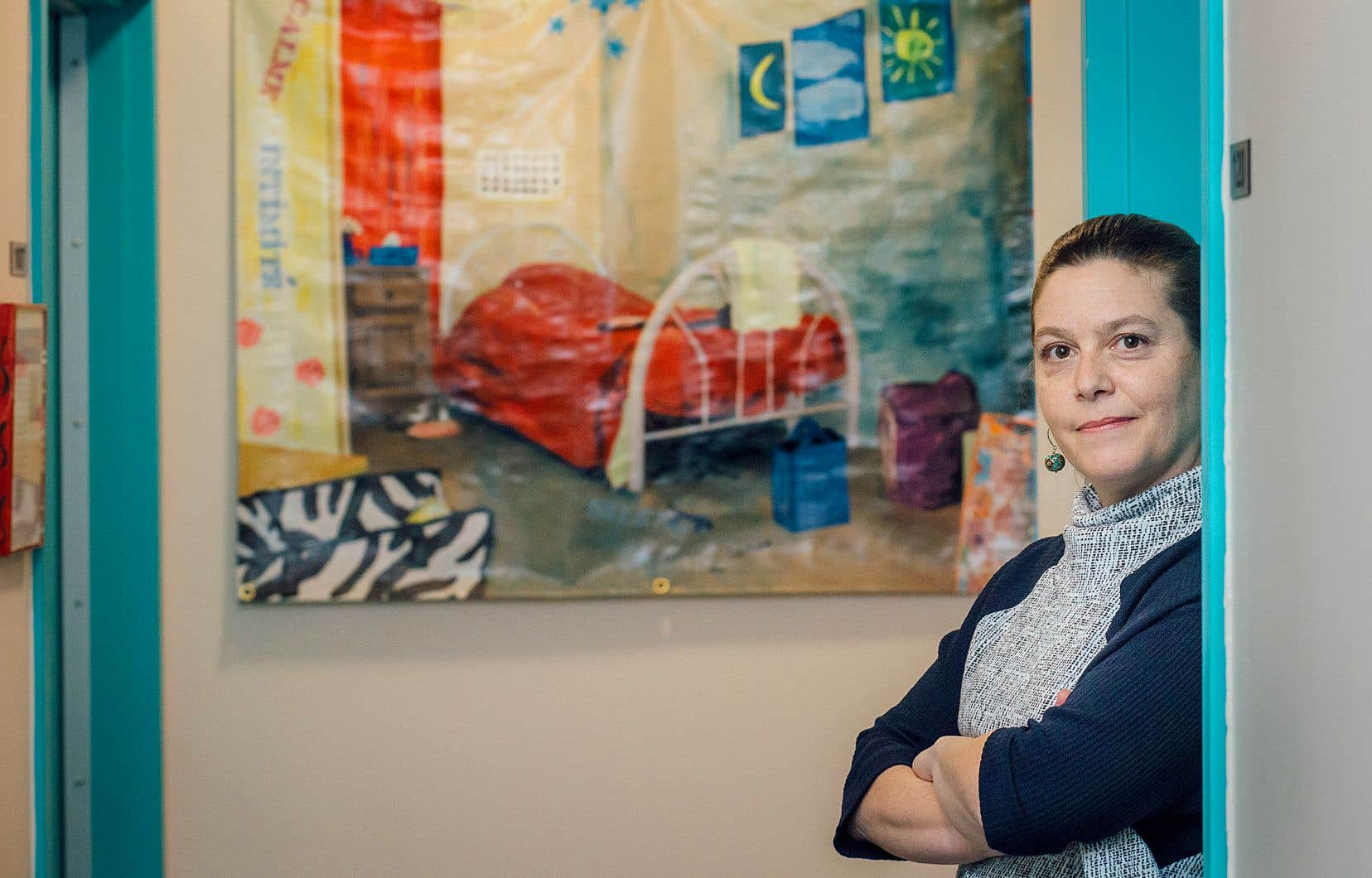 À l'Auberge Madeleine, on constate une baisse de l'achalandage. Ici, la maison roule à plein régime en tout temps, mais on refuse moitié moins de gens qu'à l'habitude, explique la directrice de cette ressource pour femmes, Mélanie Walsh.