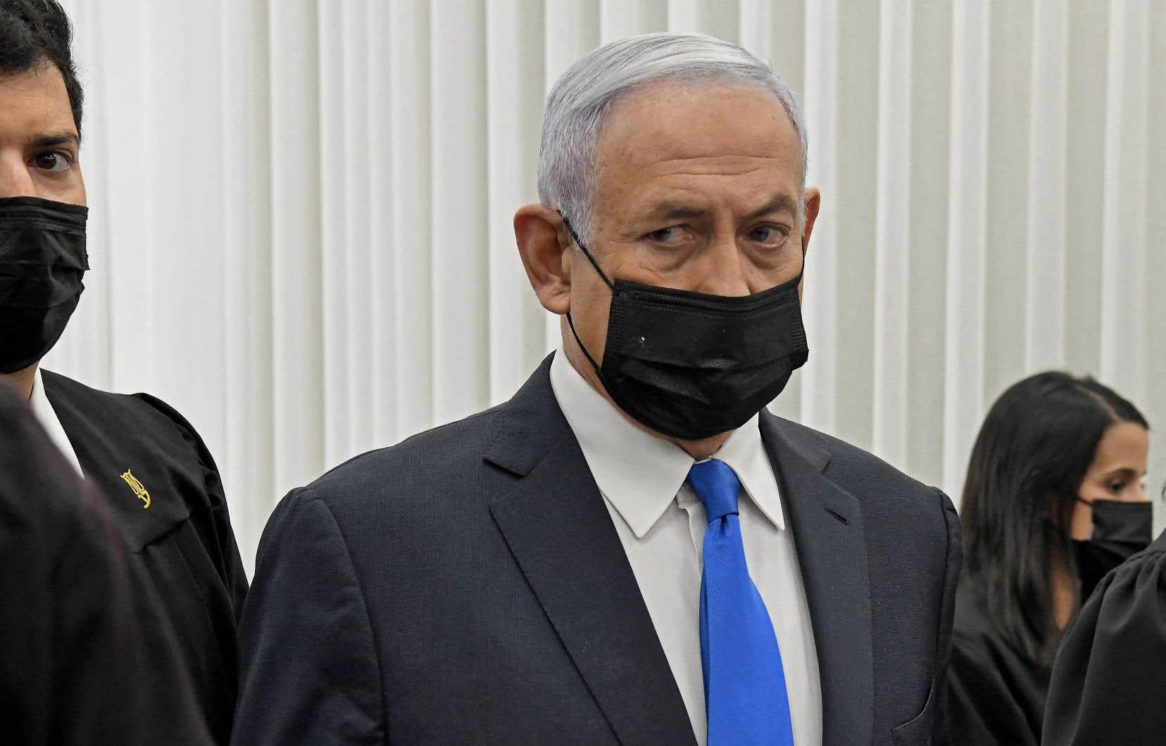 Détenteur du record de longévité des premiers ministres israéliens avec 15ans au pouvoir,Benjamin Nétanyahou est le premier chef de gouvernement de l'histoire d'Israël jugé en étant en fonction.