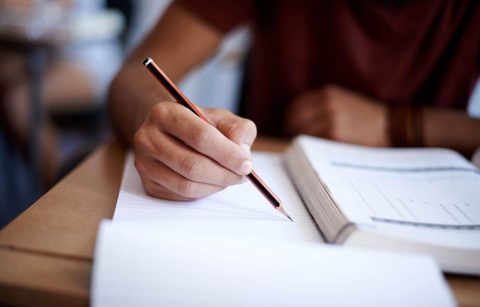 La Fédération québécoise des directions d'établissement d'enseignement (FQDE) a indiqué lundi qu'un élève du secondaire sur quatre a échoué en mathématiques.