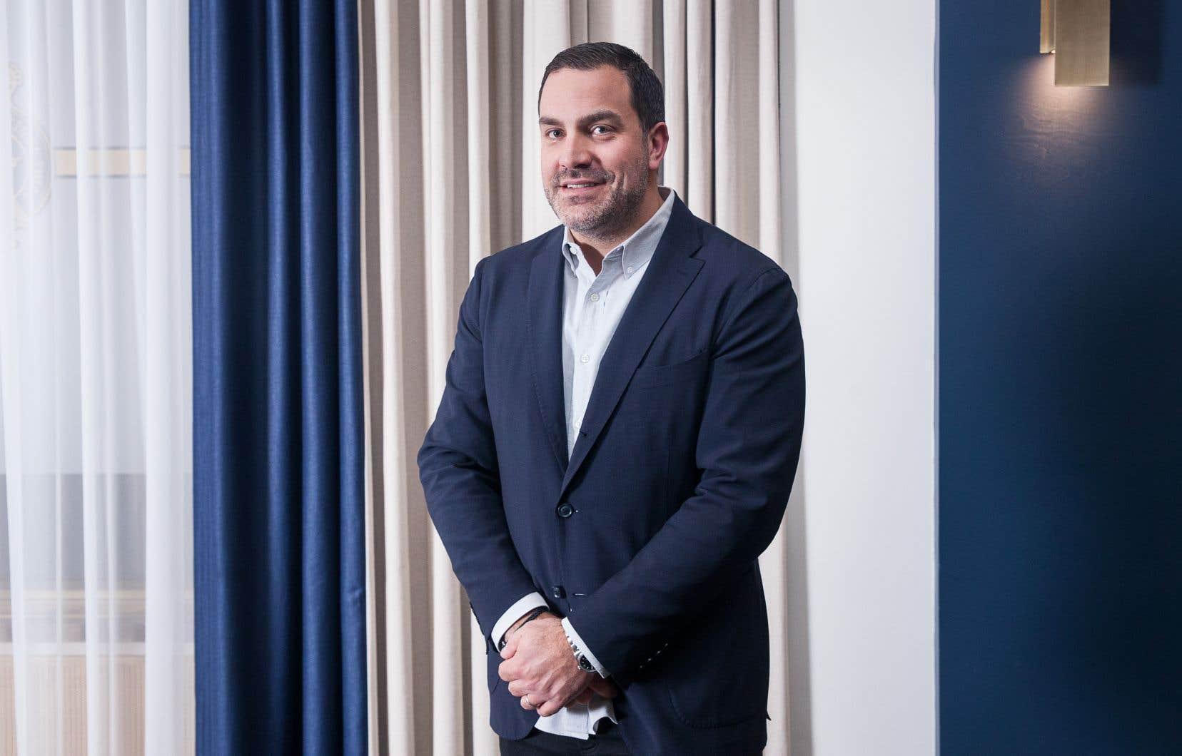 Philippe Archambault, qui dirige Audiogram depuis 2015, continuera d'œuvrer à titre de d.g. de la boîte. Il devient aussi vice-président musique du Groupe Sports et divertissement de Québecor.