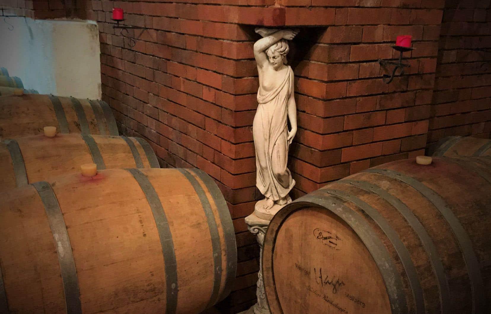 Vestale veillant sur le vin des amoureux