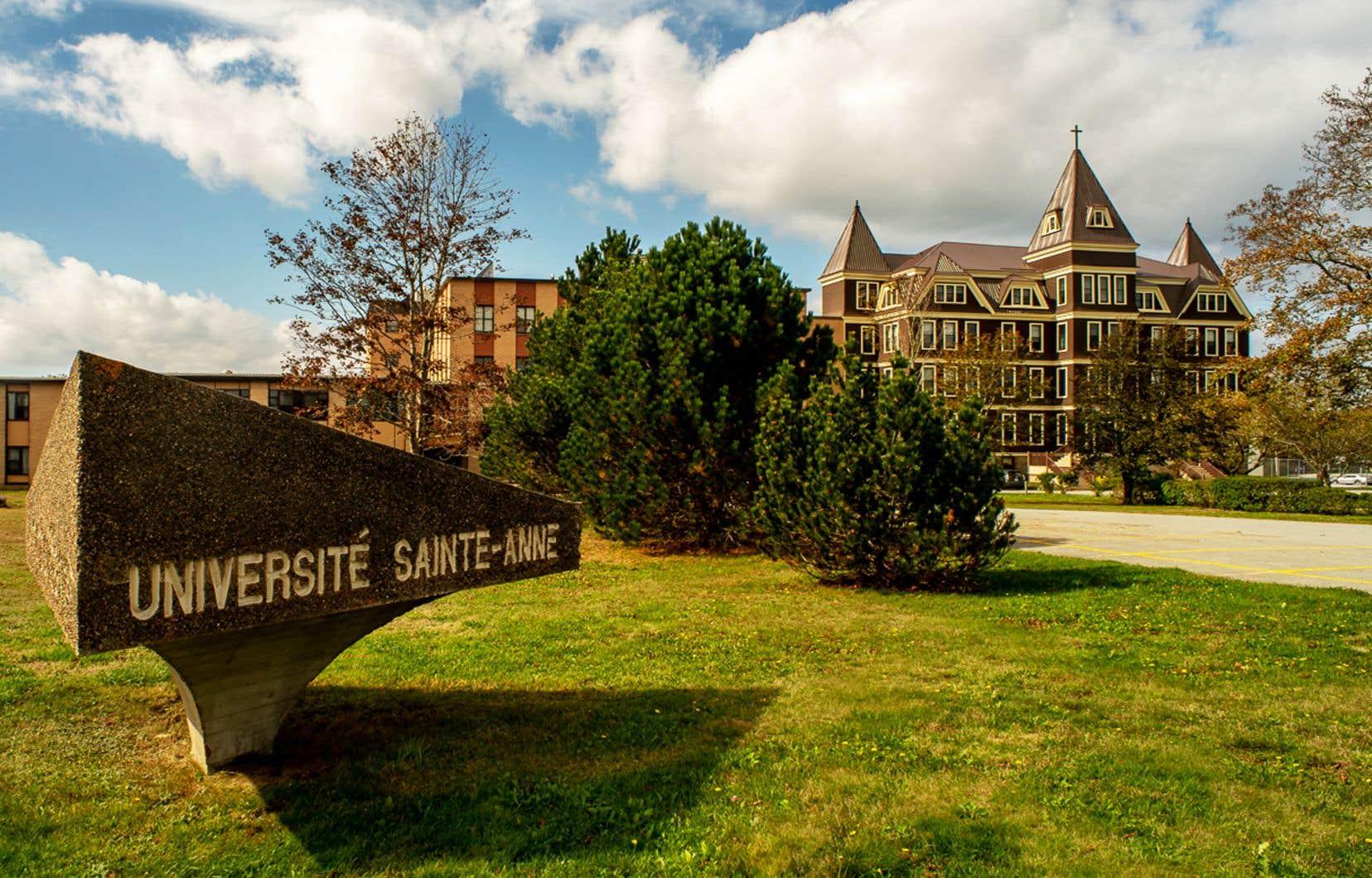 Située à Pointe-de-l'Église, en Nouvelle-Écosse, l'Université Sainte-Anne est une université canadienne francophone.