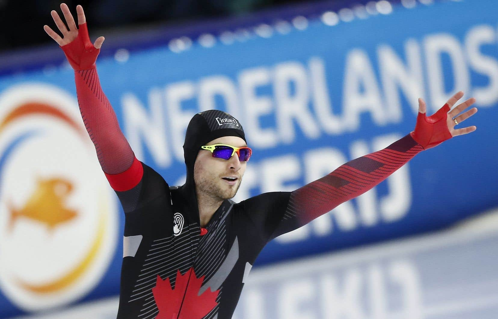 Laurent Dubreuil devientle premier Canadien à gagner un titre mondial au 500 mètres depuis Jeremy Wotherspoon.