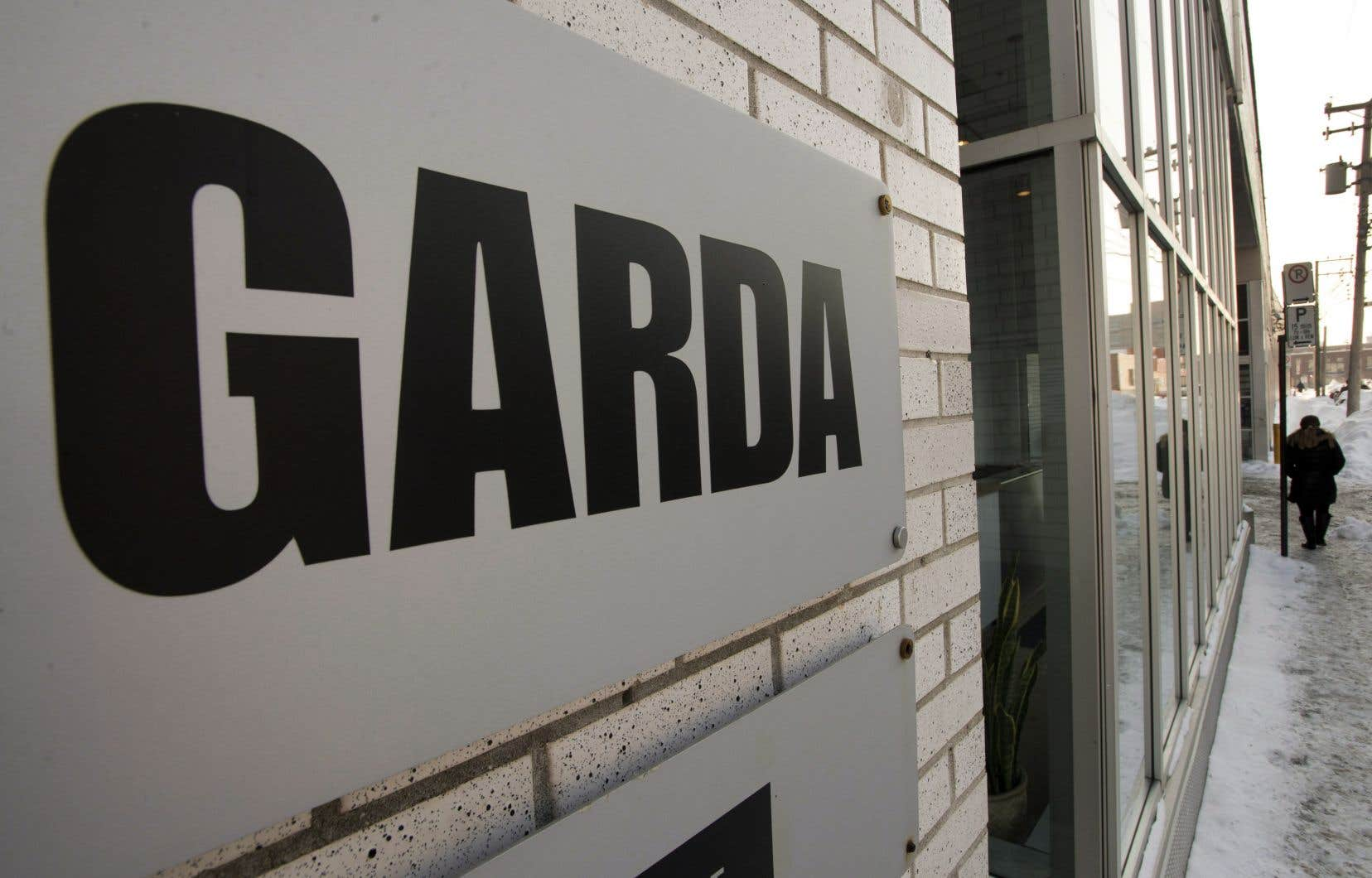 En décembre dernier, le conseil d'administration de G4S avait retenu la proposition d'Allied, qui acceptait de payer 245 pence — soit environ 4% de plus que la plus récente offre de GardaWorld — pour chacune des actions de la société dans le cadre d'une offre évaluée à environ 6,7milliards $CA.