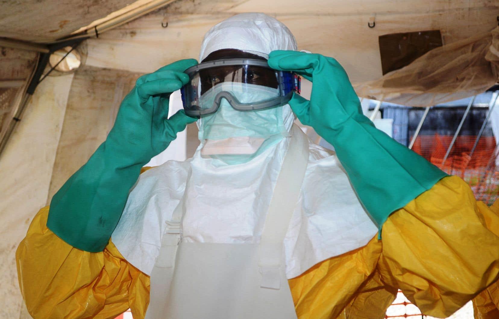 En Guinée, ou veut éviter de répéter le scénario catastrophe de l'épidémie de 2013-2016, qui avait fait plus de 11 000 morts en Afrique de l'Ouest.