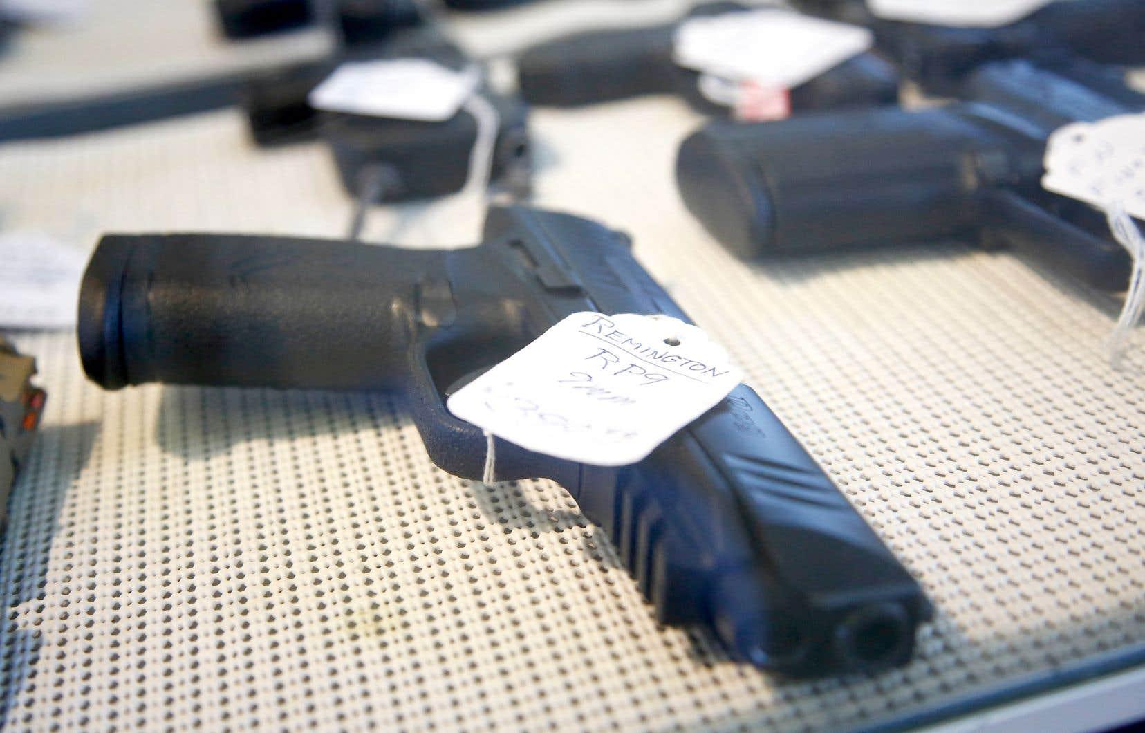 La semaine dernière, la mairesse Valérie Plante avait réclamé du gouvernement fédéral qu'il légifère dans le but spécifique de freiner la prolifération des armes de poing.