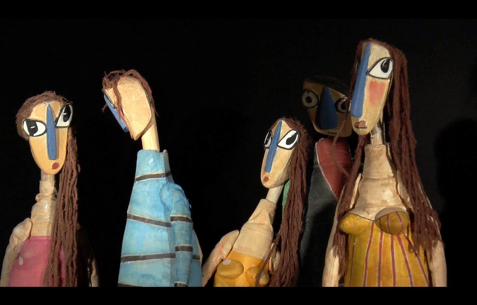 Le Festival de Casteliers présente le documentaire <em>Les marionnettes naissent aussi</em> dans lequel trois grandes dames de la marionnette française, Greta Bruggeman, Émilie Valantin et Maryse Le Bris, ouvrent les portes de leurs ateliers.