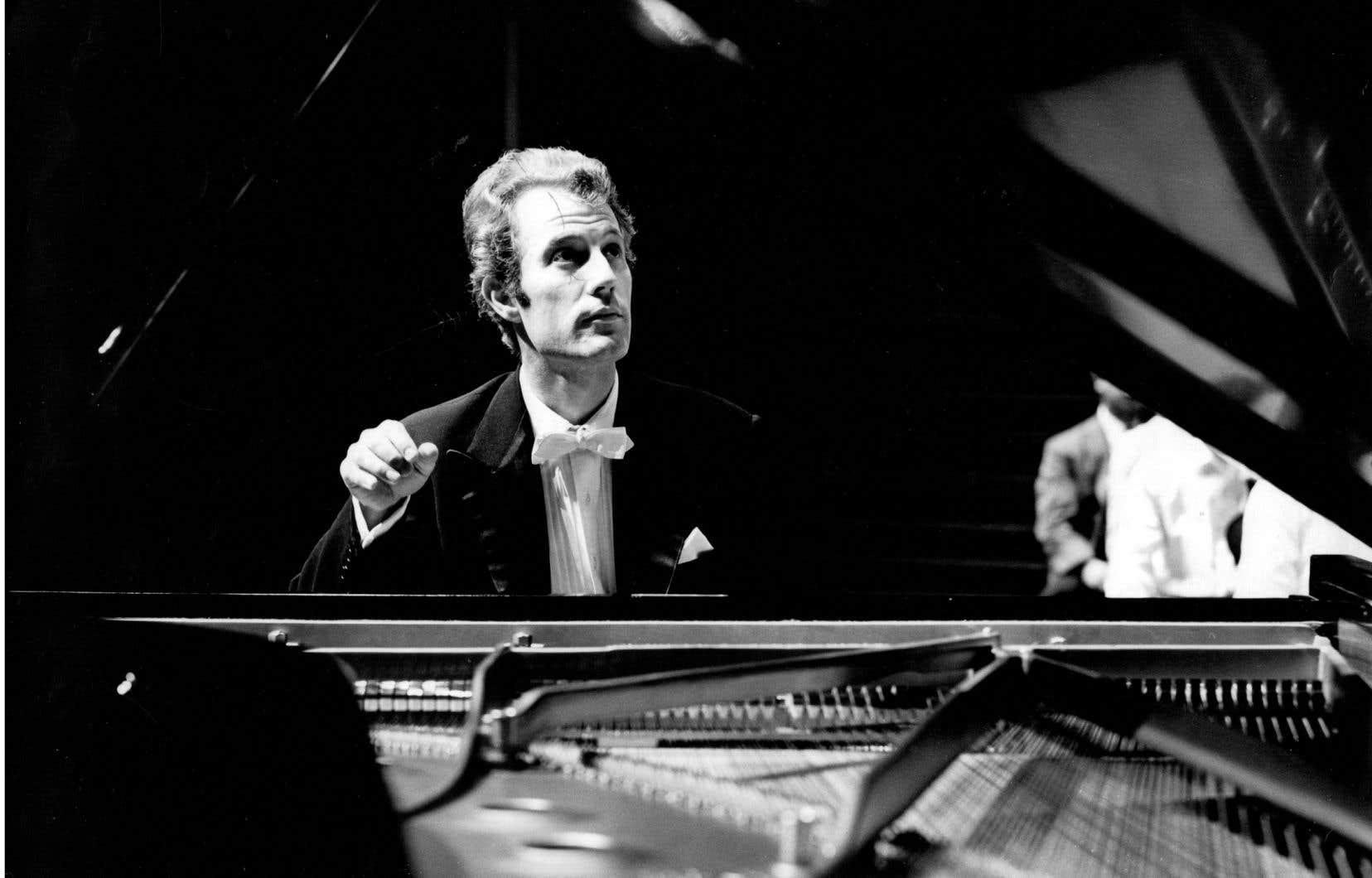 Éric Heidsieck était, dans les années 1960 et 1970, «le» pianiste français qui maîtrisait le répertoire germanique dans une qualité attestée par les disques qui viennent de reparaître. La question était donc: comment le milieu musical avait-il pu passer à côté de cela?
