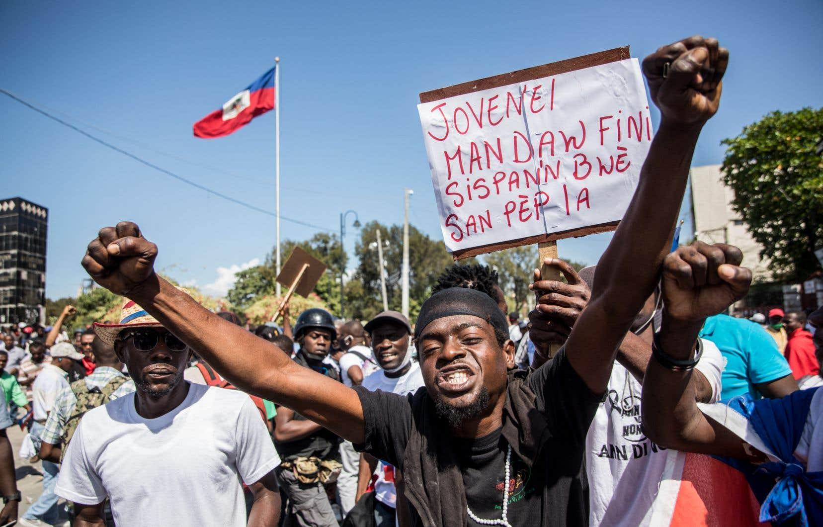 «La légitimité de Moïse a toujours été faible, et il a recueilli moins de 600 000 voix dans un pays de 11 millions d'habitants», écrit l'autrice.