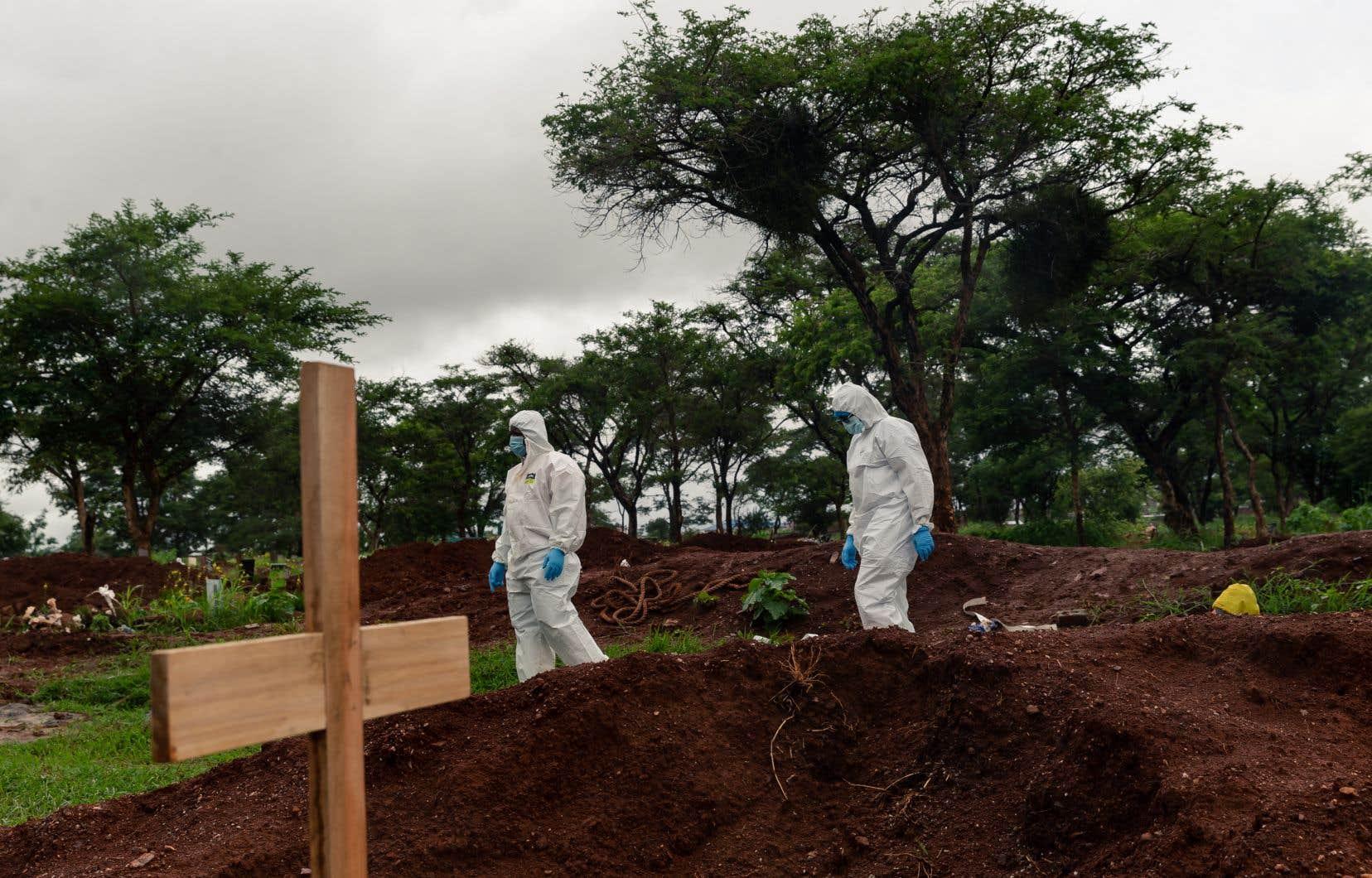 Les 54 pays de la région totalisent 100 000 décès (pour 3 793 660 cas déclarés), selon un comptage de l'AFP.