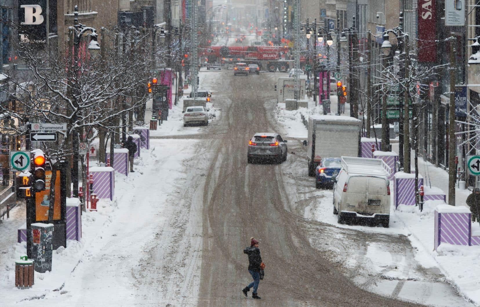 «Tout indique que la récente évolution de la construction résidentielle dans la région de Montréal ne fait qu'accentuer gravement ce phénomène d'étalement urbain dont nous avons manifestement perdu complètement le contrôle», écrit l'auteur.
