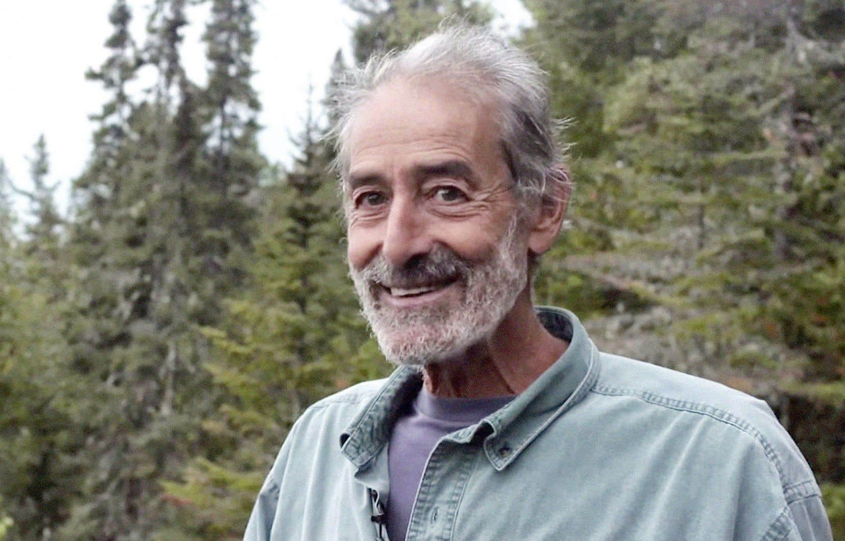 José Médiavilla est un enseignant à la retraite originaire de l'Espagne. Il est arrivé en Abitibi-Témiscamingue en août 1969 et il est maintant ouvreur de sentiers.