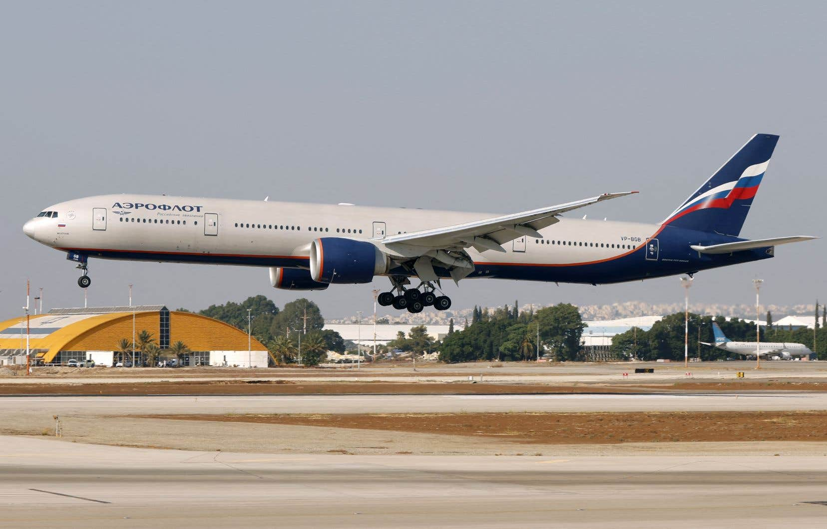 L'appareil a pu se poser sans encombre sur l'aéroport de Denver et aucun de ses occupants n'a été blessé.