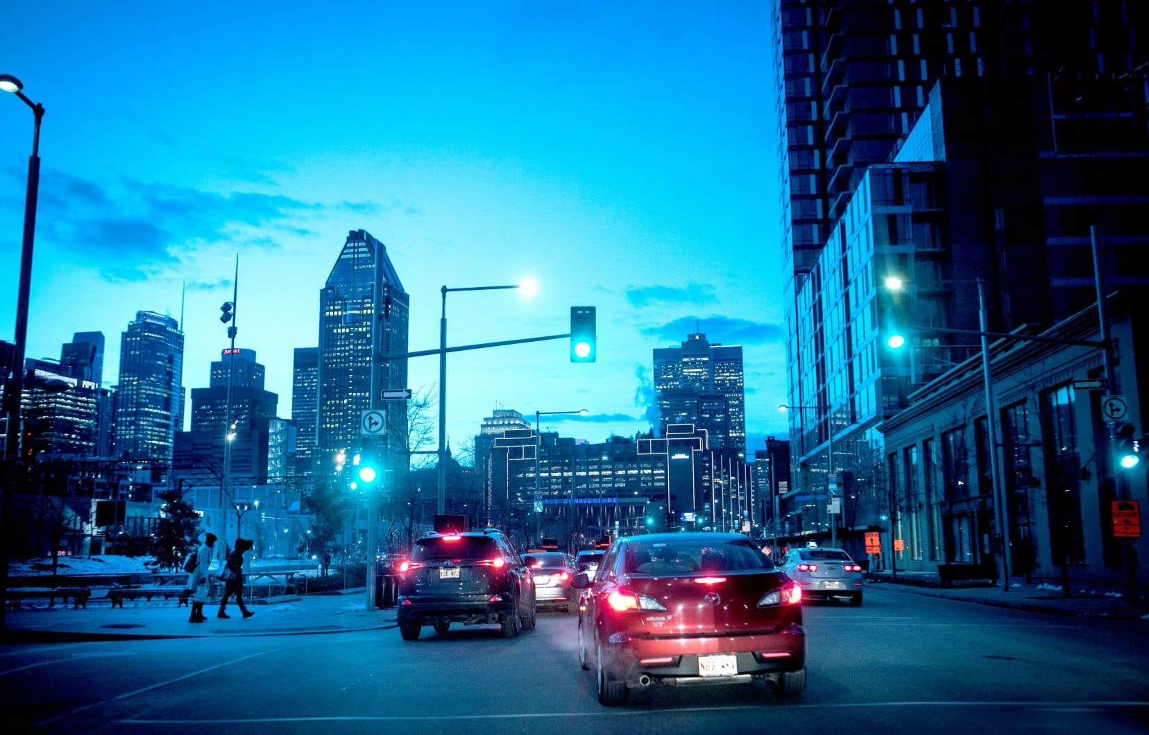 Montréal continue d'attirer les travailleurs étrangers, car, contrairement à certaines grandes villes comme San Francisco, elle offre une bonne qualité de vie et le coût de la vie y est raisonnable.