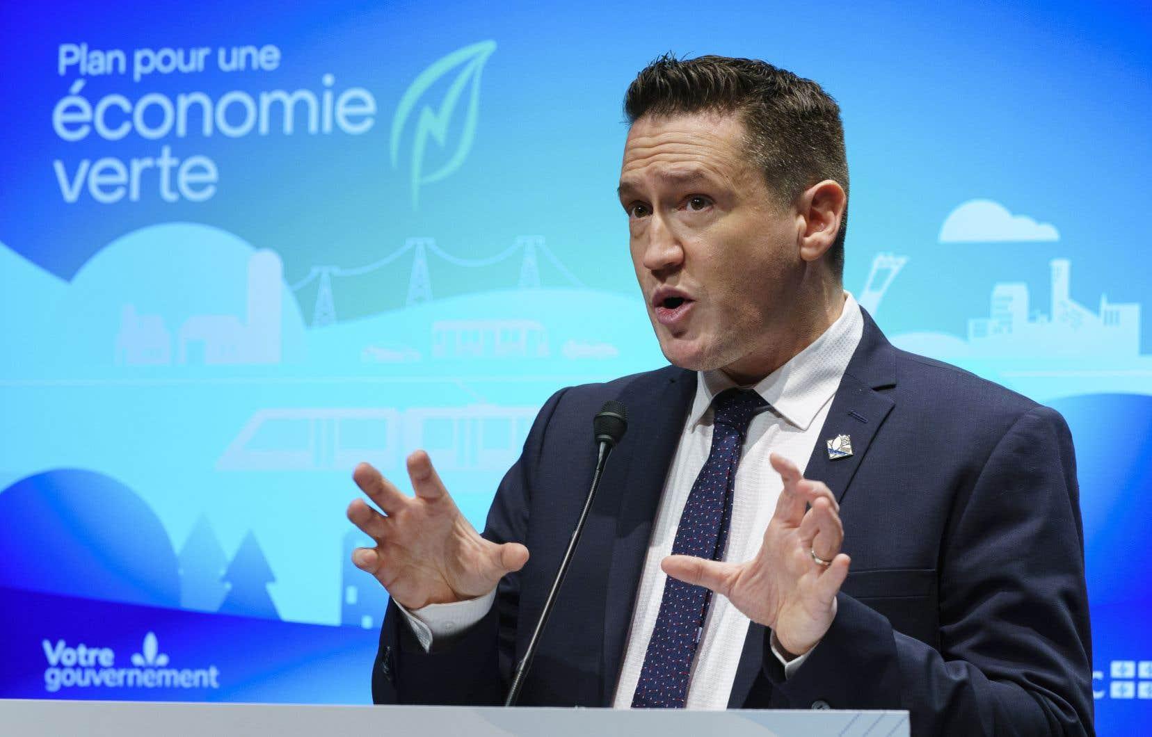 Benoit Charette est actuellement ministre de l'Environnement et de la Lutte contre les changements climatiques.