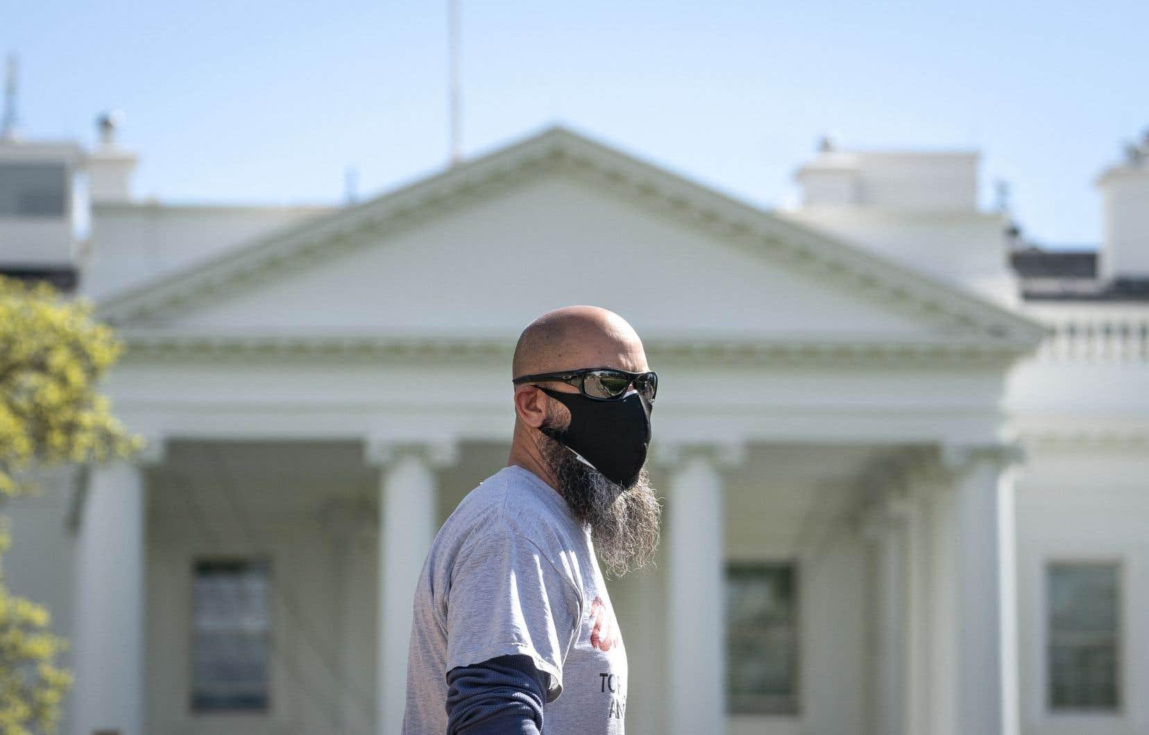 Les masques distribuésseront en tissu, lavables et de «haute qualité».