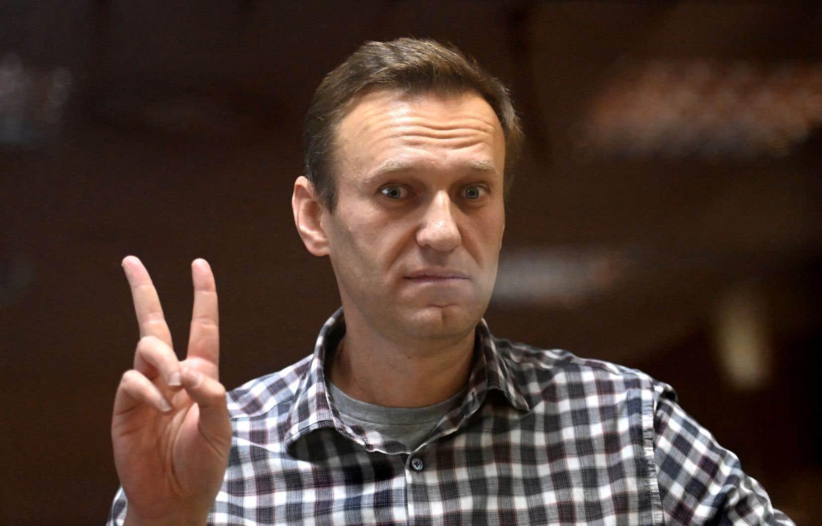L'opposant russe Alexeï Navalny dans un tribunal de Moscou le 20 février