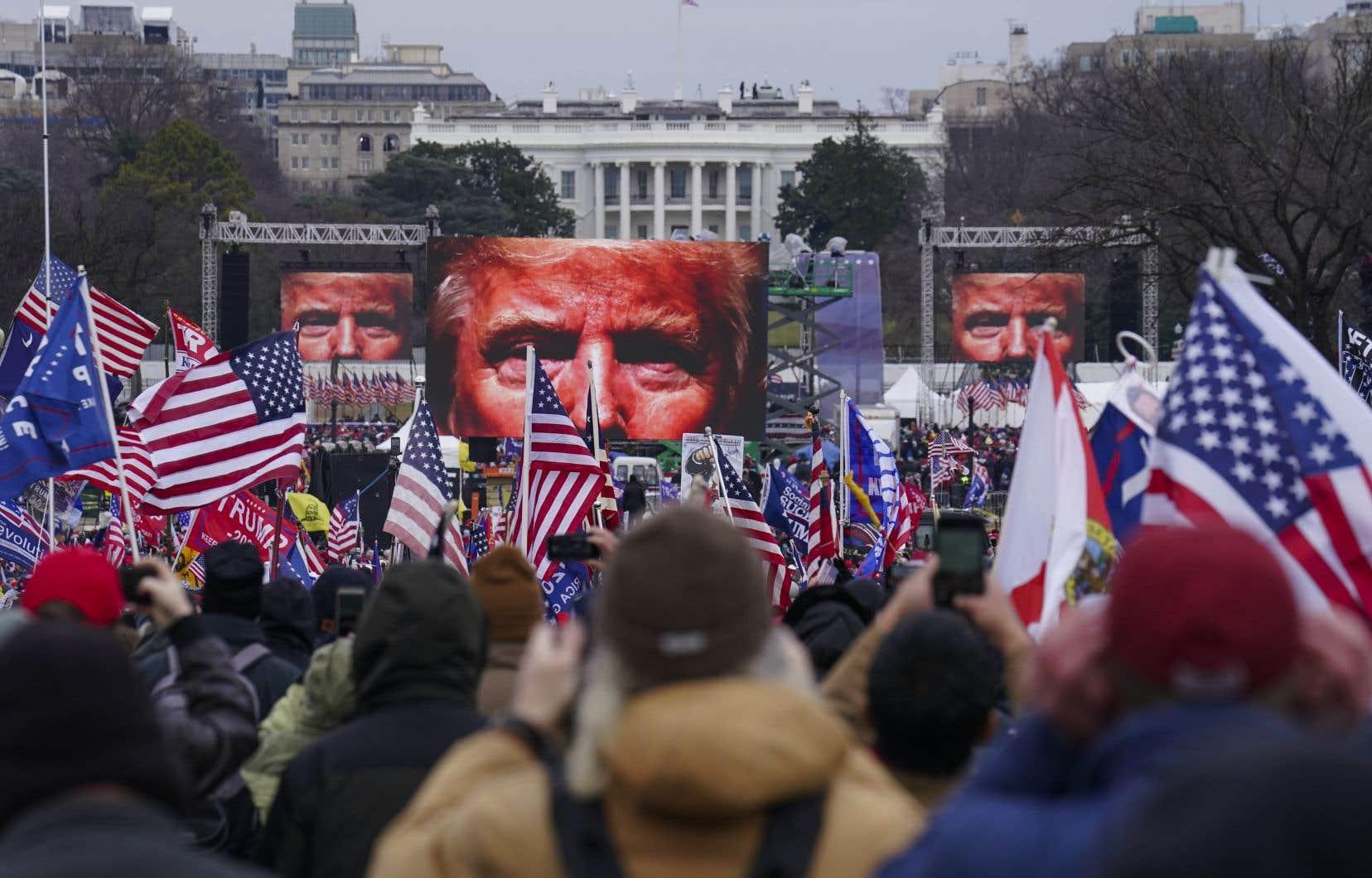 Lors des dernières élections, près de 80% des évangélistes blancs ont soutenu la candidature de l'ancien président américain, Donald Trump, comme ils l'avaient fait en 2016, selon le National Election Pool, et ce, malgré les déficits moraux de l'ex-vedette de la téléréalité.