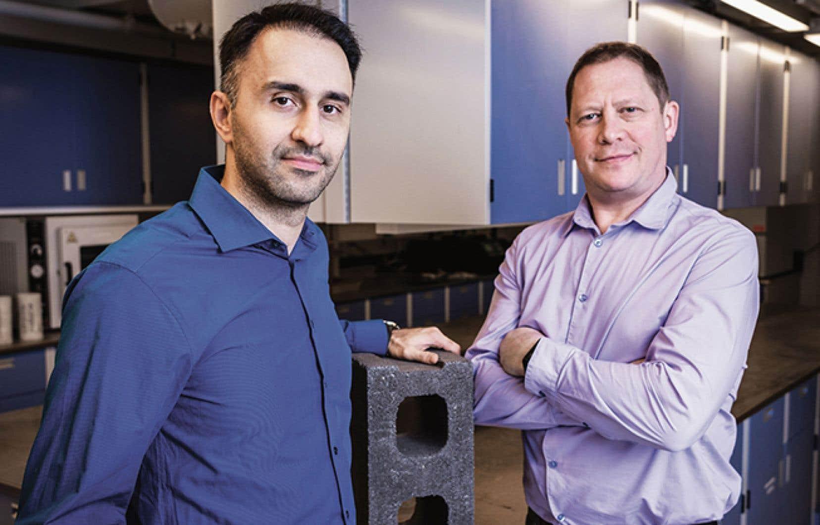 Dans l'ordre habituel, Mehrdad Mahoutian et Chris Stern, cofondateurs de CarbiCrete