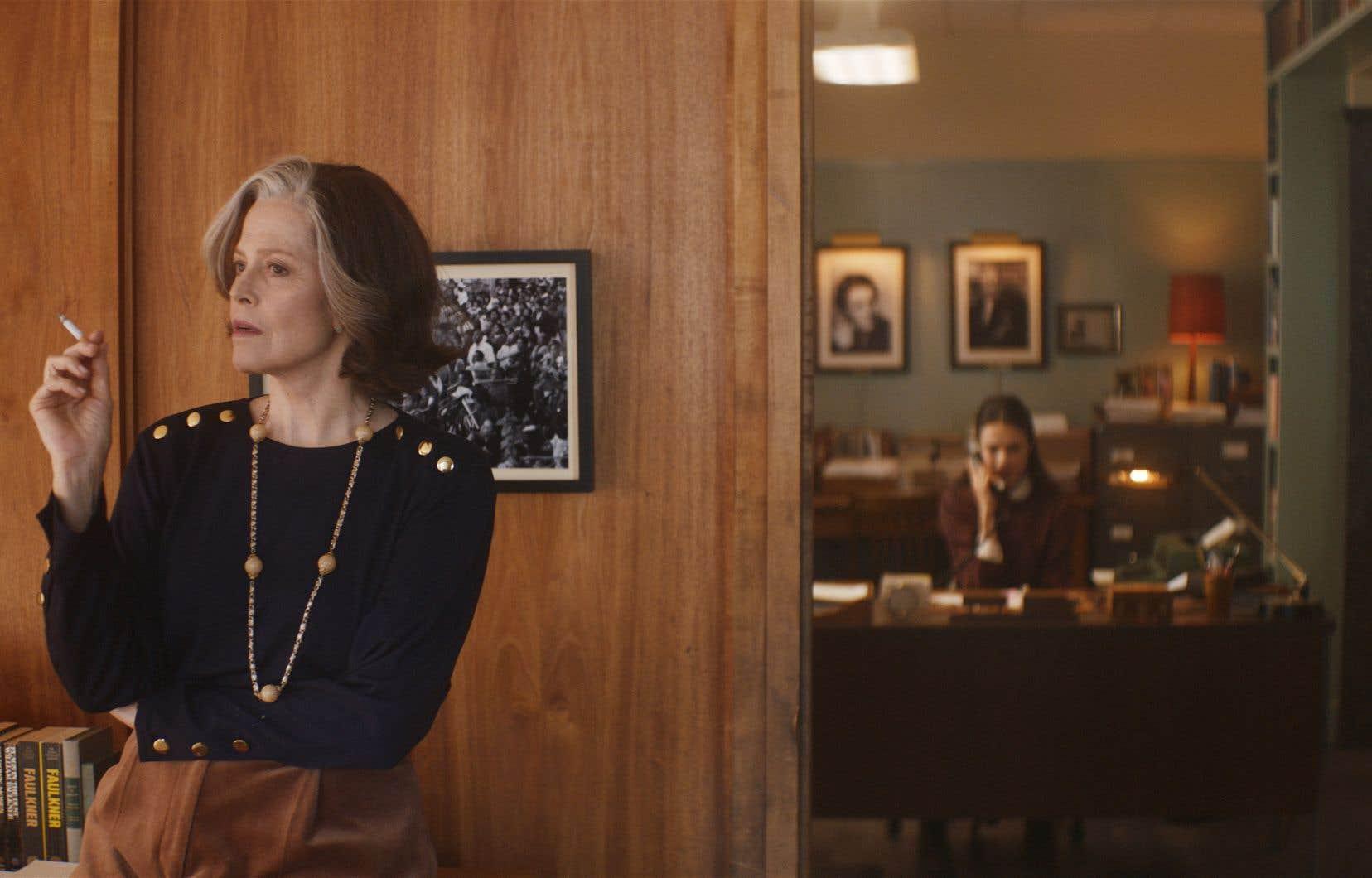 Inspiré des mémoires de Joanna Rakoff, «My Salinger Year» («Mon année Salinger»), de Philippe Falardeau, donne à voir une paire de splendides performances, par Margaret Qualley (à droite) et Sigourney Weaver.