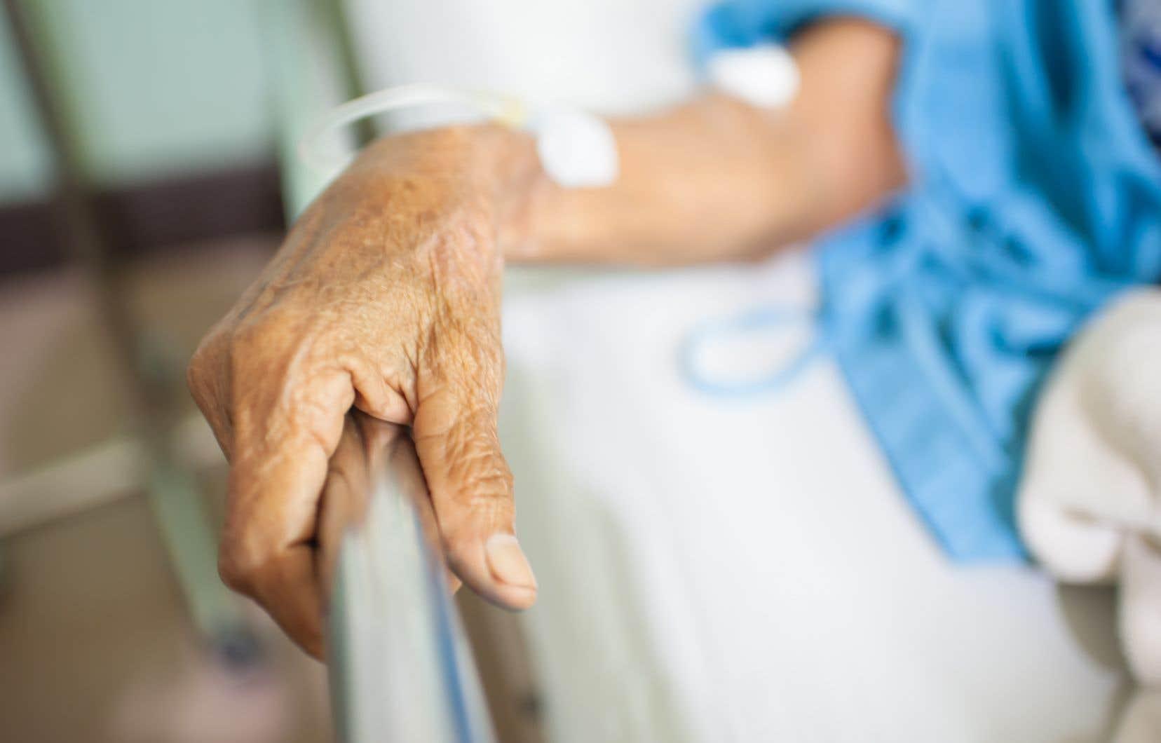 «Nous ne voulons pas que nos patients vulnérables soient encore plus en péril qu'ils ne le sont déjà», écrivent les auteurs.