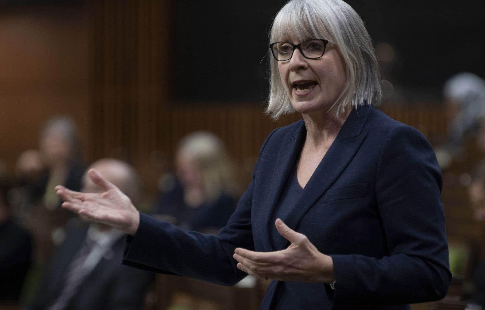 La ministre de la Santé, Patty Hajdu, a affirmé à la Chambre des communes qu'une enquête a été commandée.