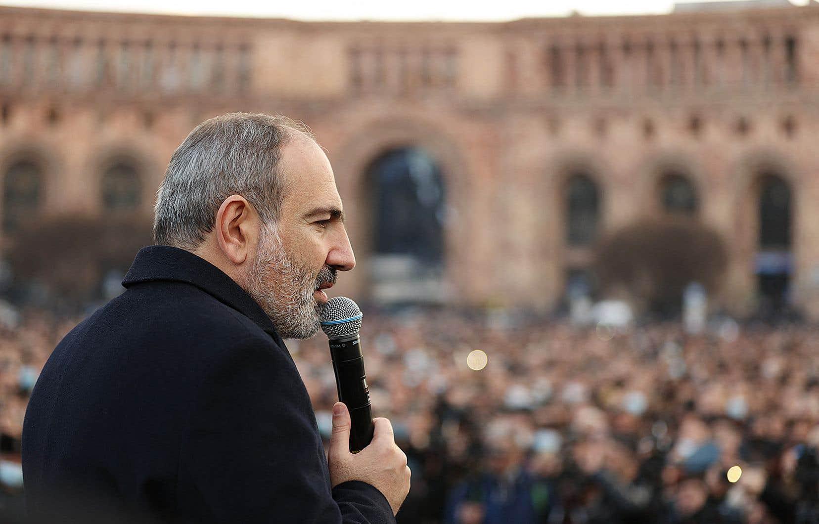 L'état-major de l'armée avait réclamé après le limogeage d'un gradé de haut rang la démission de Nikol Pachinian, «une tentative de coup d'État» selon ce dernier.