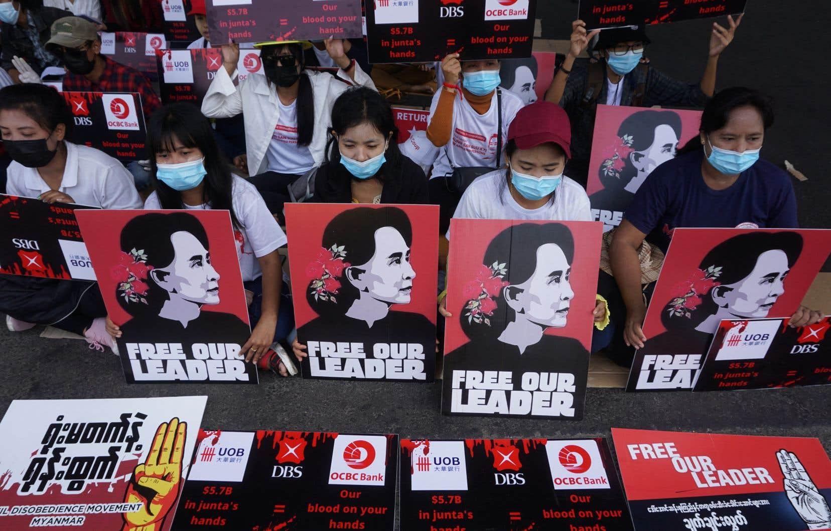 Les manifestations se sont poursuivies dans plusieurs villes du pays.