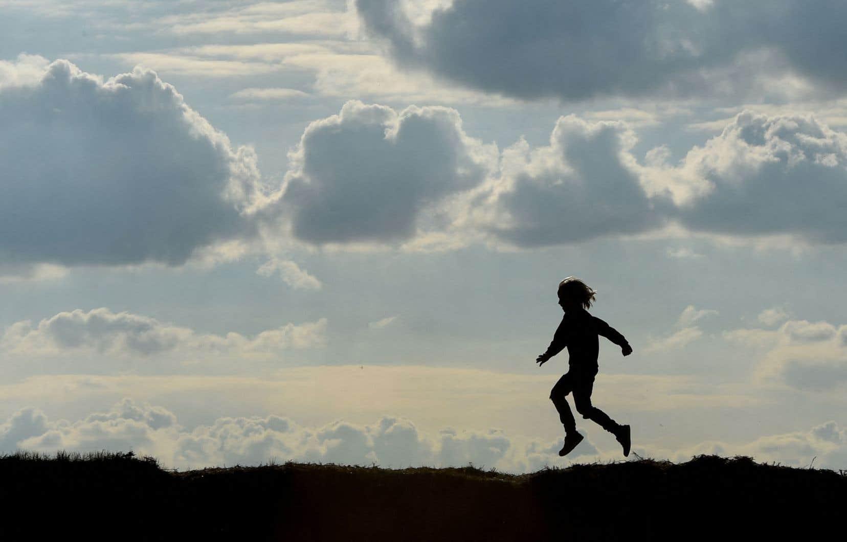 «Armer nos enfants pour notre monde tel qu'il est. Notre monde où, parmi les choses belles que nous avions un peu oubliées, il y a le fait que la vie n'est décidément pas aussi prévisible que prévu», écrit l'autrice.