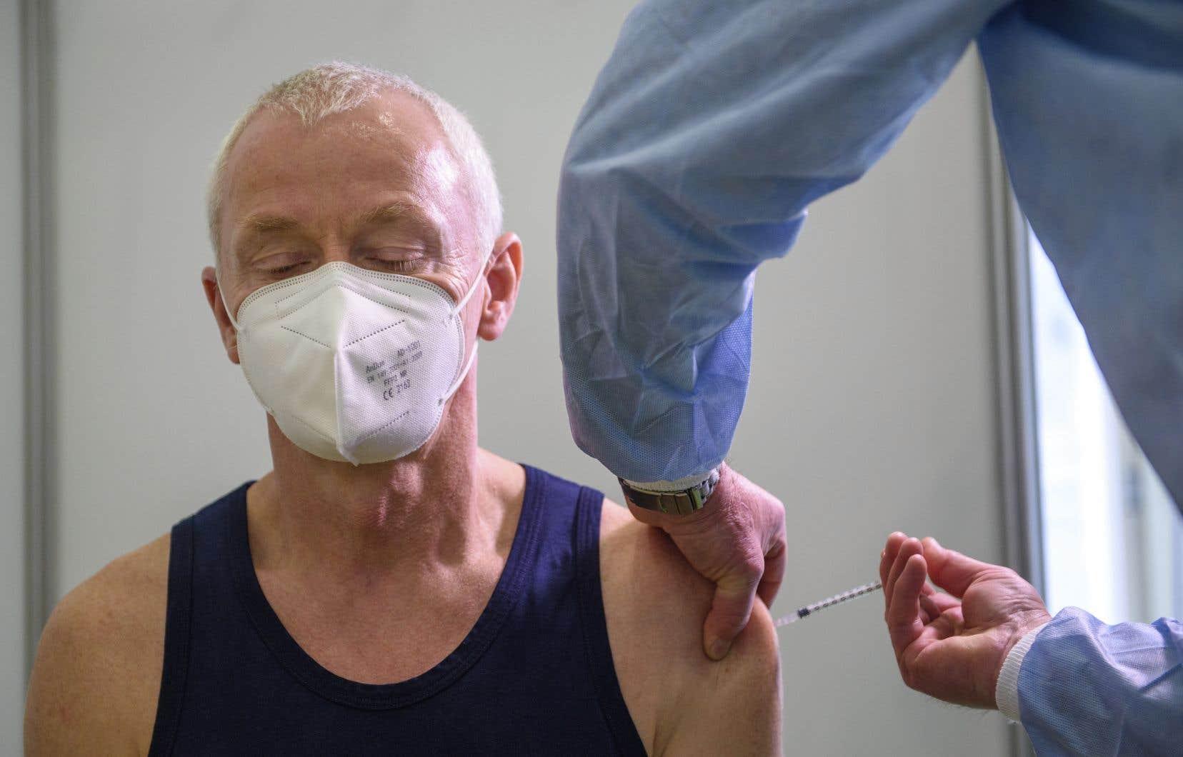 Le Canada a commandé 24millions de doses du vaccin d'AstraZeneca, dont la majorité sera expédiée depuis les États-Unis entre avril et septembre.