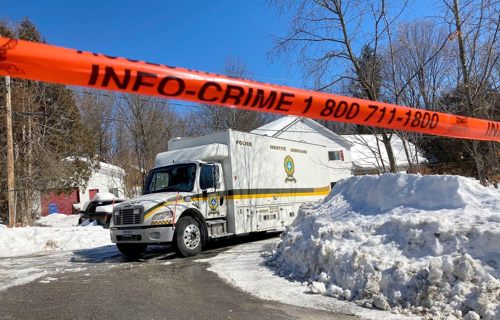 Myriam Dallaire et sa mère ont été retrouvées inanimées vers 21 h 15 lundi dans leur maison située rue Samson, à la suite d'un appel au 911.