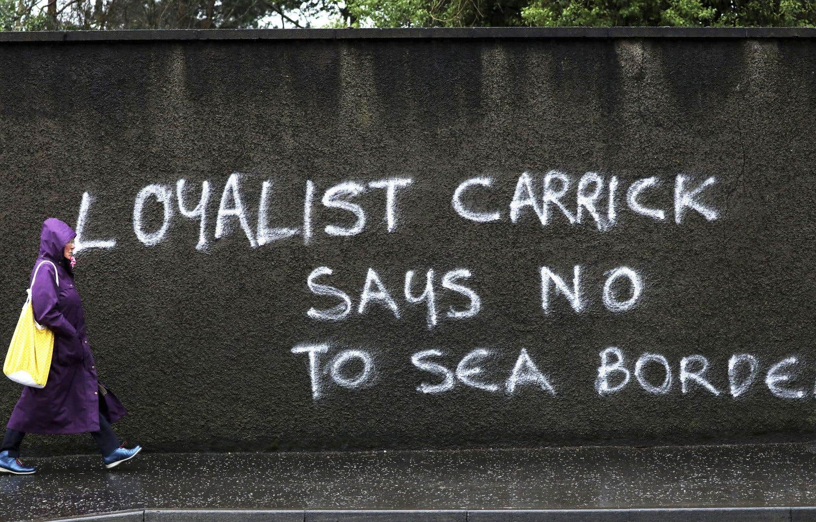 Des groupes paramilitaires loyalistes ont écrit à Boris Johnson ces derniers jours pour l'avertir de la suspension de leur soutien à l'accord de paix du Vendredi saint, signé en 1998.