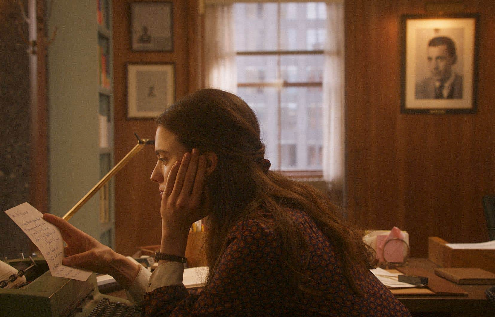 Le film bénéficie de performances accomplies de la part d'une distribution bigarrée, à commencer par celle de Margaret Qualley.