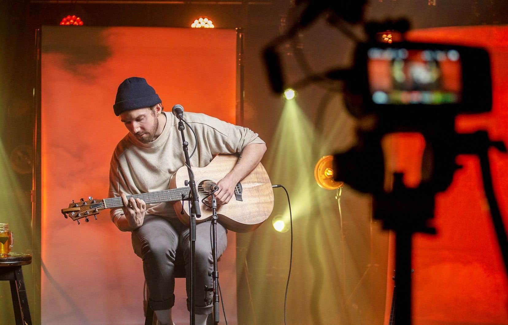 Le musicien Jay Scott lors de son concert virtuel à L'ANTI Bar&Spectacle, le 4 février dernier