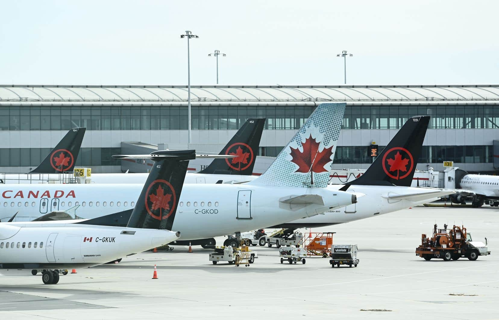 Ottawa a mis le remboursement des voyageurs sur la table comme une condition-clé en échange d'un allégement financier pour les compagnies aériennes, en plus de demander aux transporteurs de maintenir les routes régionales.