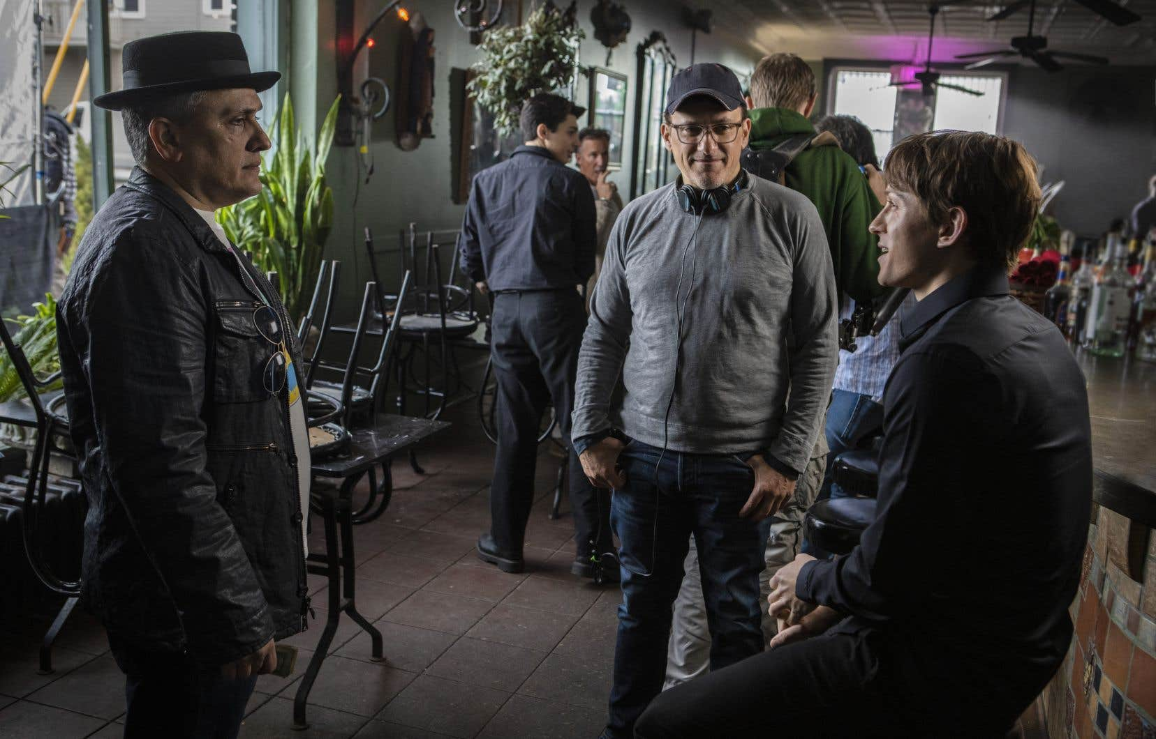 Anthony et Joe Russo sur le plateau de «Cherry» avec l'acteur au cœur du film, Tom Holland
