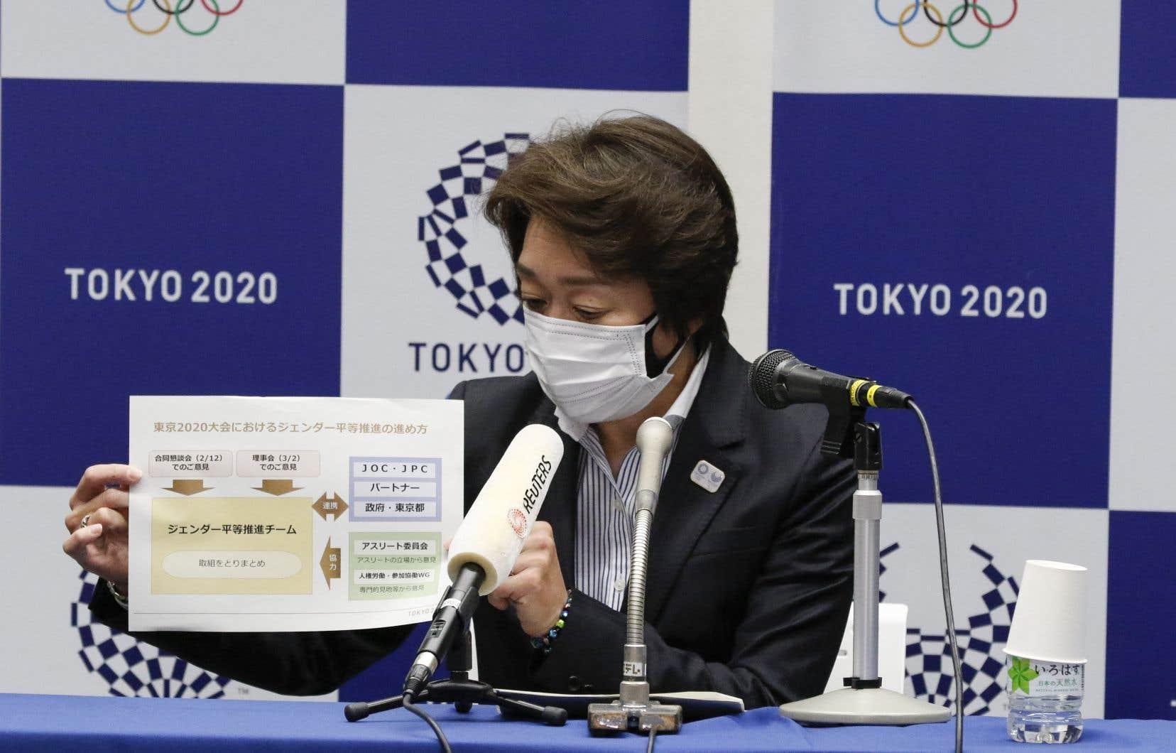 Seiko Hashimoto essaie de convaincre tout le monde que les Jeux olympiques seront sécuritaires, une phrase qu'elle a répétée une douzaine de fois, vendredi, lors de sa conférence de presse inaugurale.