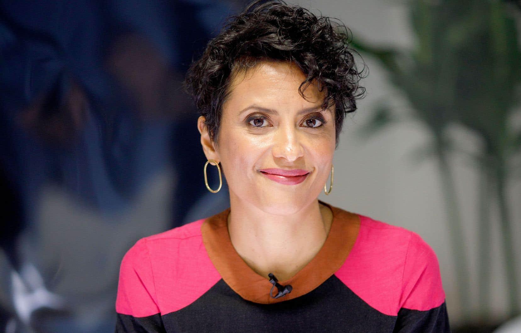 La cheffe d'antenne Noémi Mercier. La direction de Noovo, la chaîne de Bell Média, a présenté son nouveau service d'information mardi, lors d'une conférence de presse virtuelle aux allures de téléjournal.