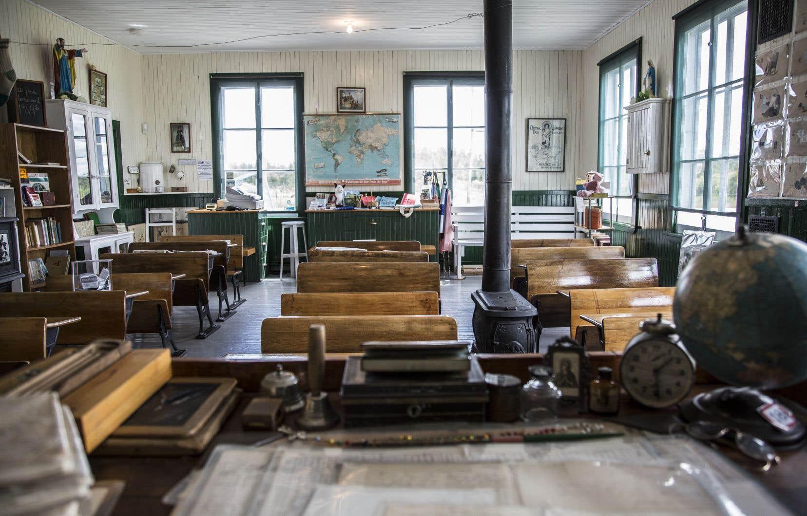 De 1937 à 1958, les enfants ont pris place derrière les pupitres de l'école du Rang II d'Authier, qui est aujourd'hui un musée.