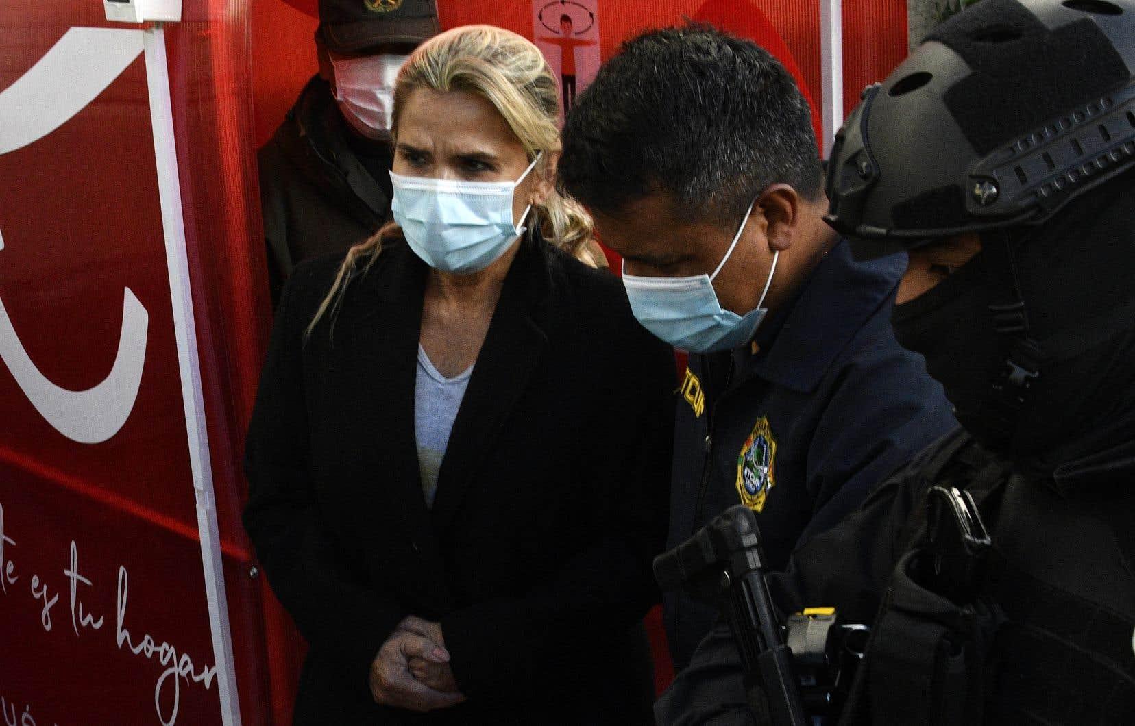 Jeanine Añez est accusée de coup d'État contre l'ancien président Evo Morales.