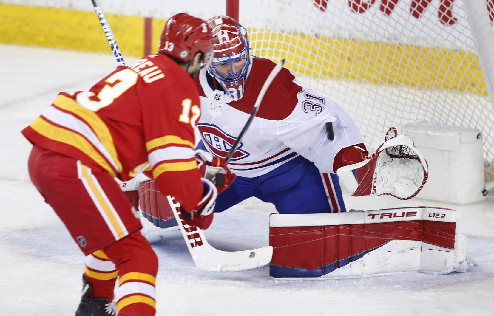<p>Les Flames ont complètement dominé la première période et Price a tenté de garder le Canadien dans le coup. Il a frustré Johnny Gaudreau en échappée à mi-chemin du premier vingt.</p>