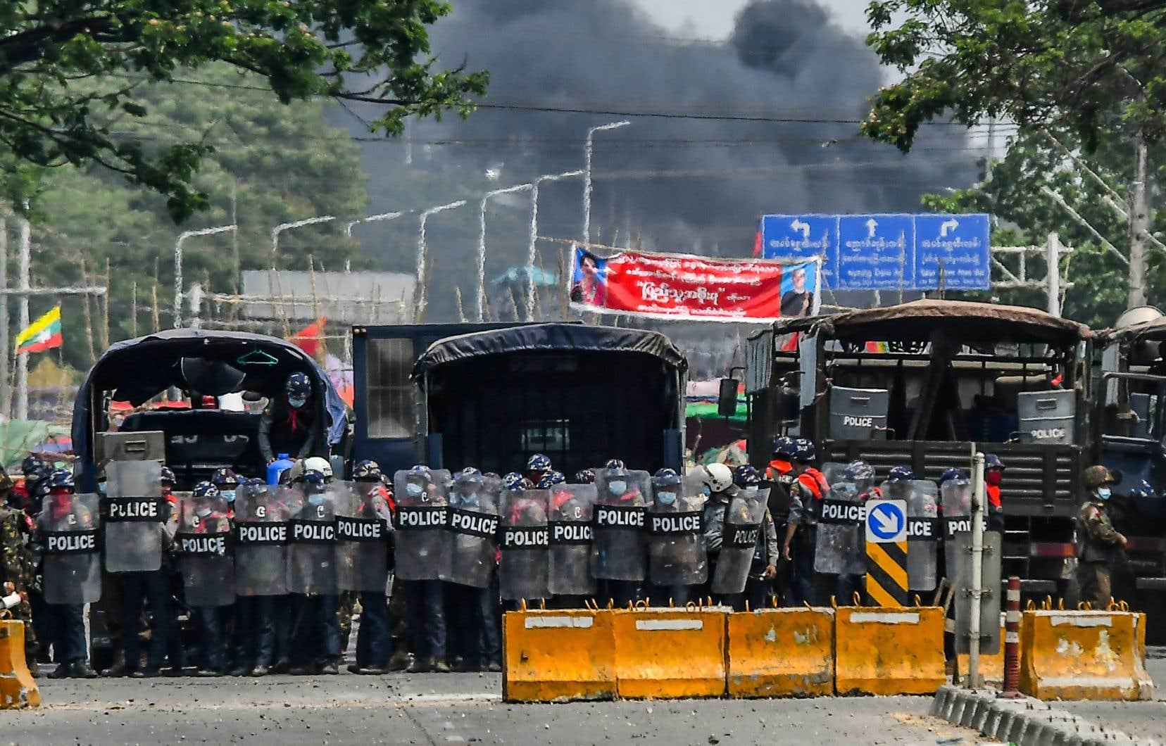 Dans tout le pays, le nombre croissant de morts n'a pas dissuadé les manifestants.